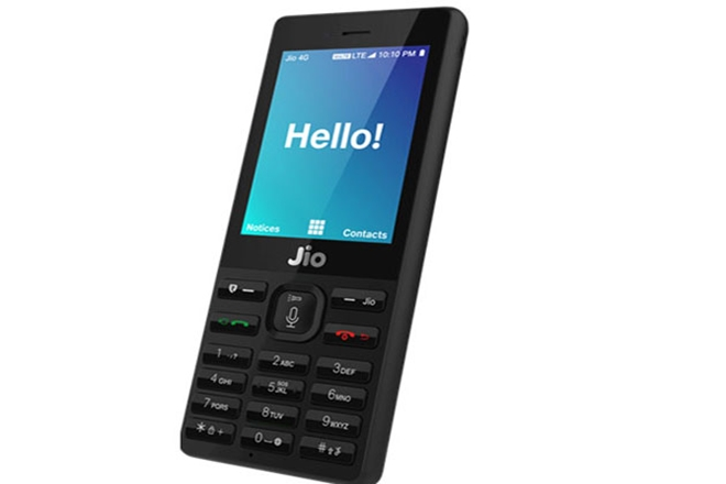 Reliance Jio 'Smart Feature Phone' Booking with Rs. 500 start on 24th Aug
